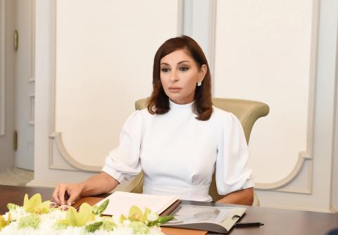 First Vice-President Mehriban Aliyeva congratulates pupils and students on Knowledge Day