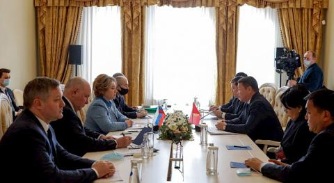 Speaker Mamytov meets with Chairwoman of Russia's Federation Council Valentina Matviyenko