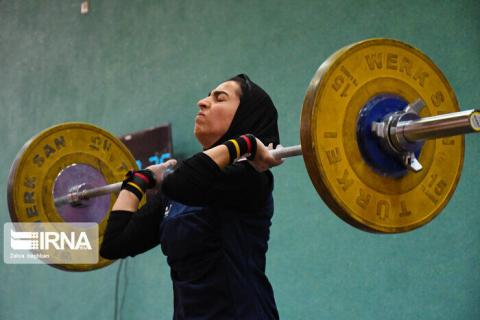 Iran female weightlifters go to training camp in pandemic era
