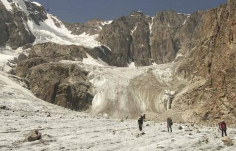 Deceased and injured foreign tourists on Kyrgyz mountain evacuated