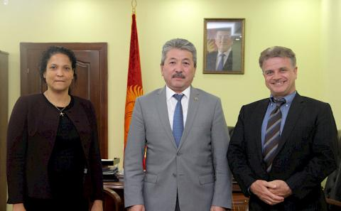 Minister of Finance and ADB Director General for Central Asia discuss bilateral cooperation