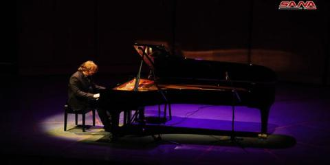 Swiss pianist Perrenoud performs piano jazz concert at Opera House