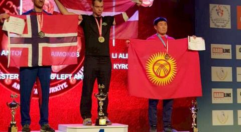 Kyrgyzstanis win two bronze medals at World Armwrestling Championship