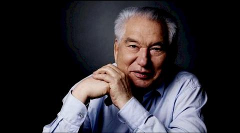Online flashmob The World Reads Aitmatov continues