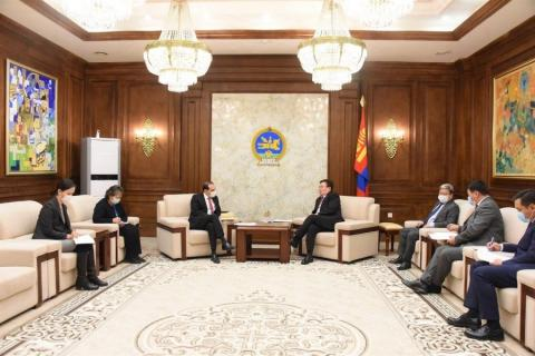 Speaker meets World Bank Country Manager Andrei Mikhnev