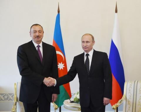 Azerbaijani, Russian presidents meet in Moscow