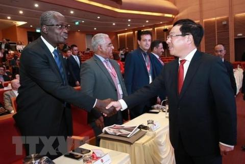 Middle East, African ambassadors hail economic cooperation with Vietnam
