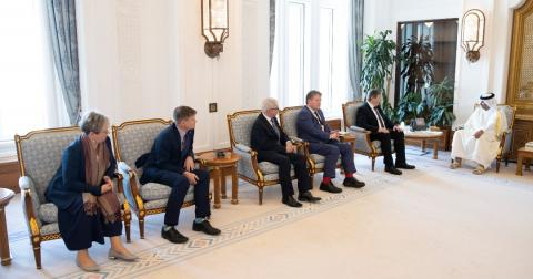 Prime Minister Meets Delegation from British Parliament