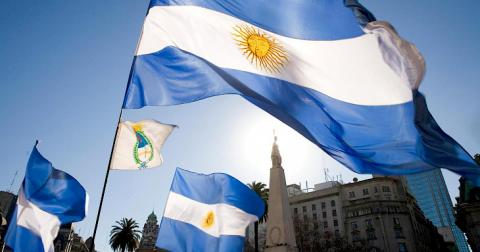 Jeenbekov congratulates President of Argentina on country's independence