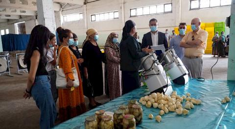 USAID supports expansion of garlic processing facility in Jalal-Abad