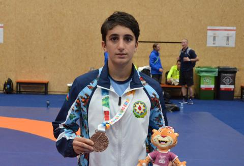 Azerbaijani female wrestler captures bronze at 3rd Youth Olympic Games