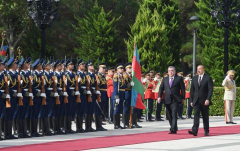 Official welcome ceremony held for Tajikistan's president in Baku