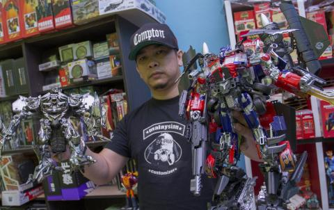 Malaysian Action Figure Creator Gaining International Recognition