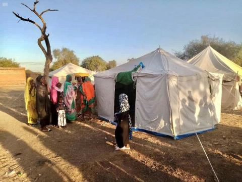 KSrelief Distributes Shelter Aid to People Affected by Floods in Sudan