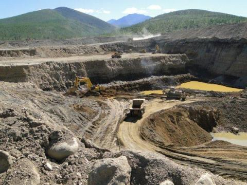 Azerbaijan completing buyout of foreign contractors' shares in ferrous metal deposits
