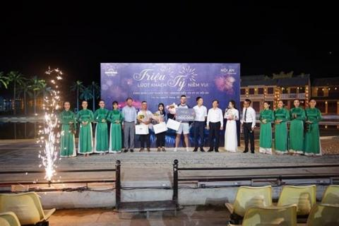 Vietnam: Hoi An Memories show hosts the one millionth audience
