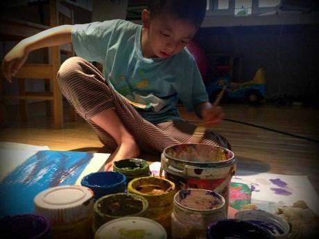 Hanoi autistic kid creates head-turning art