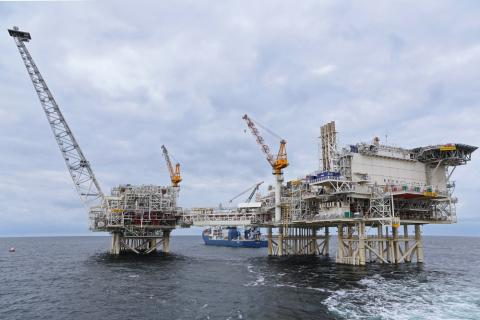 Azerbaijani oil sells for more than $66.5