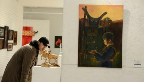 'GOLDEN BRUSH – 12' EXHIBITION DISPLAYS YOUNG ARTISTS WORKS