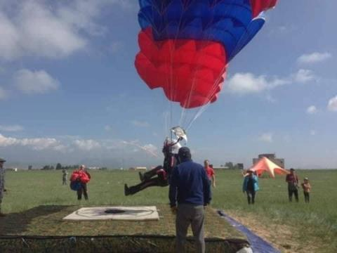 NATIONAL PARACHUTING CHAMPIONS SELECTED