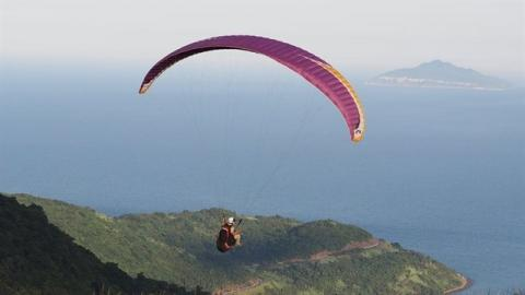 Vietnam: Paragliders to fly over Ly Son Island