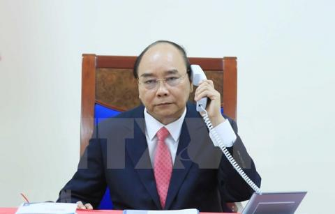 Vietnamese PM holds phone talk with Singaporean counterpart