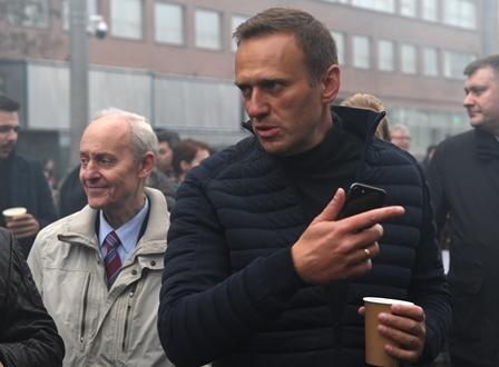 Berlin Reportedly Thinks Navalny Survived Due to Actions of His Flight's Pilot, Omsk Medics