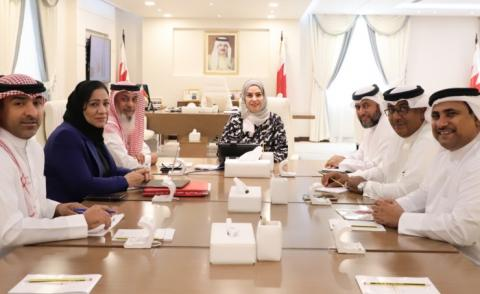 Speaker meets with Public Utilities and Environment Committee