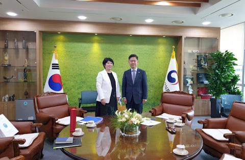 Kyrgyz ambassador and agriculture minister of South Korea discuss issues of expanding cooperation