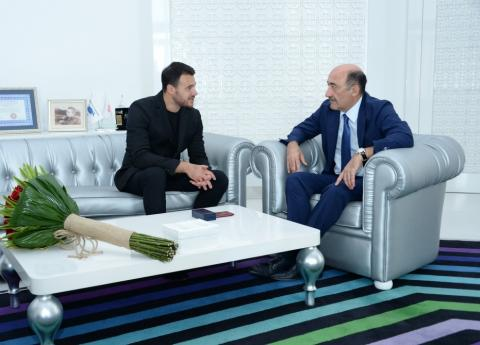 Famous singer and composer Emin Agalarov receives certificate and badge of honorary title of People's Artist of Azerbaijan