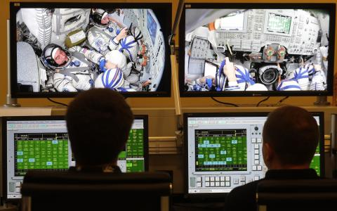 Russia starts training cosmonauts for record fast flight to orbital outpost