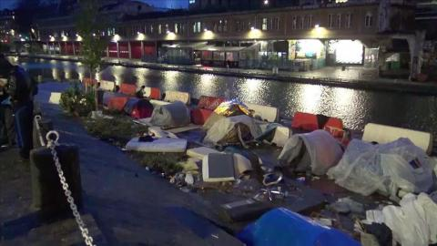 Harsh winter adds to woes of migrants in limbo in Paris