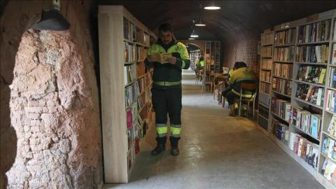 Turkey: Garbage collectors dig out treasure from trash