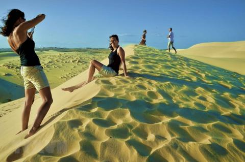Vietnam yet to open door to all foreign tourists