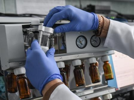 Russia's Vector Centre Hails Its COVID-19 Vaccine as Safe, Easy to Produce