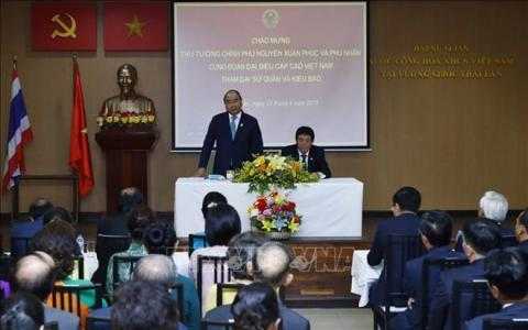 PM meets with overseas Vietnamese in Thailand