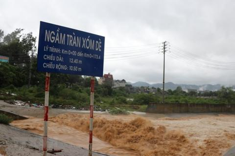 Typhoon Son Tinh causes damages worth 15.6 mln USD to roads in Vietnam